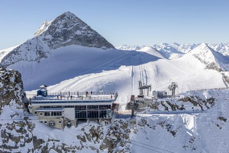 Archiv TVB Tux-Finkenberg: Panoramaterrasse am Hintertuxer Gletscher ©Johannes Sautner