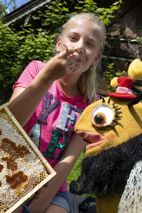 Schleckermäulchen - Biene Line ©Robert Pupeter